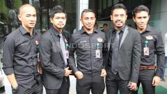 Indosport - Asosiasi Pesepakbola Profesional Indonesia (APPI) yang diwakili Pornayo Astaman (Ketua), Bambang Pamungkas, Firman Utina, Bima Sakti dan Kurniawan Dwi Yulianto bertemu dengan Delegasi FIFA/AFC di Kantor PSSI, Selasa (02/11/15).