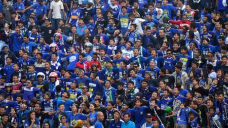 Suporter fanatik Persib Bandung, Bobotoh. - INDOSPORT