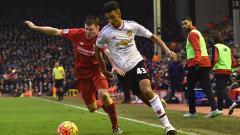 Indosport - Diterpa Badai Cedera, Manchester United Langsung Kedatangan Pemain Baru yaitu Cameron Borthwick-Jackson.