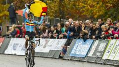 Indosport - Femke Van den Driessche mengkibarkan bendera asalnya, Belgia