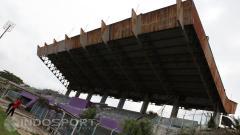 Indosport - Kondisi Stadion Benteng Tanggerang sangat memprihatinkan karena tidak terawat sejak tahun 2012.