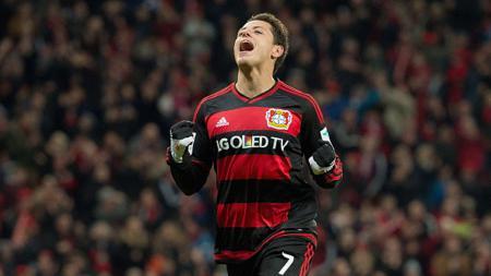 Selebrasi Chicharito dalam seragam Bayer Leverkusen. - INDOSPORT