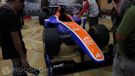 Mobil yang akan digunakan Rio Haryanto di Formula 1, MRT05. - INDOSPORT