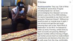 Indosport - Floyd Mayweather berpose dengan gumpalan uang tunai.