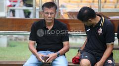 Indosport - Pelatih Sriwijaya FC, Benny Dollo (kiri).