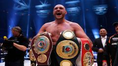 Indosport - Sebelum menjadi juara kelas berat WBC dan mengalahkan Deontay Wilder, Tyson Fury ternyata pernah melakukan hal konyol saat bertanding.