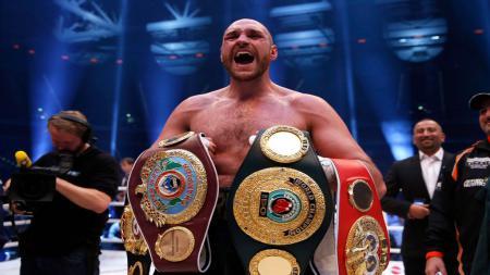 Sebelum menjadi juara kelas berat WBC dan mengalahkan Deontay Wilder, Tyson Fury ternyata pernah melakukan hal konyol saat bertanding. - INDOSPORT