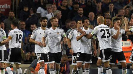 Valencia berhasil unggul dua gol di babak pertama atas Barcelona. - INDOSPORT