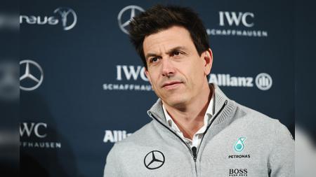 Toto Wolff, bos tim Mercedes Formula 1 memberi pujian pada Leclerc. - INDOSPORT