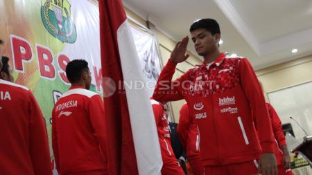 Atlet Bulutangkis, Ricky Karanda pernah menjadi pesaing kuat Kevin Sanjaya. Akhir-akhir ini ia terlihat bermain sepakbola. - INDOSPORT