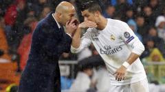 Indosport - Zinedine Zidane (kiri) dan Cristiano Ronaldo.