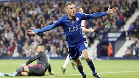 Striker Leicester City, Jamie Vardy selebrasi laga Premier Leagua West Bromwich Albion vs Leicester City 31 November 2016. - INDOSPORT