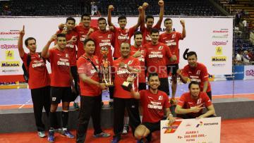 Juara Proliga putra 2016, Tim Samator Surabaya.