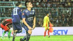 Indosport - Gustavo Giron Marulanda, mantan striker Arema