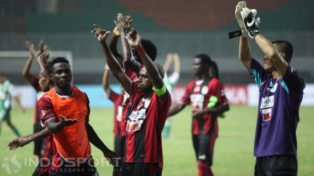 Manajemen Persipura Jayapura resmi melepas dua pemain asingnya. - INDOSPORT