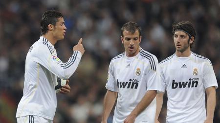 Rafael van der Vaart saat masih memperkuat Real Madrid. - INDOSPORT