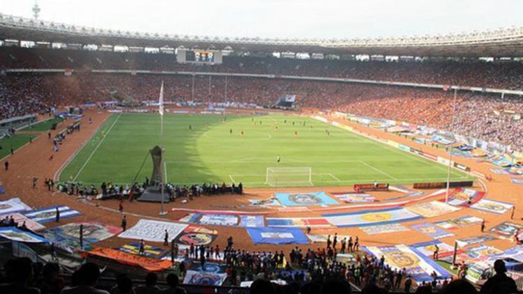 Suasana stadion Gelora Bung Karno saat laga Persija vs Arema di musim 2009/10. Copyright: INTERNET