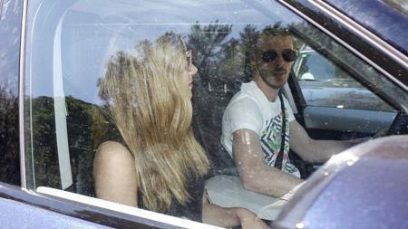 David de Gea dan pacarnya Edurne Garcia, terlihat sudah kembali ke tanah air, Madird, setelah Spanyol gugur di perempatfinal Euro 2016. - INDOSPORT