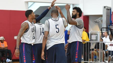 Tim basket Amerika Serikat berlatih serius jelang Olimpiade 2016. - INDOSPORT
