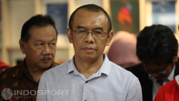 Gatot S Dewa Broto mewakili Kemenpora memberi tanggapan soal kebakaran yang terjadi di Stadion Utama Gelora Bung Karno.