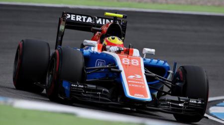 Rio Haryanto saat menjalani sesi latihan bebas kedua di GP Jerman. - INDOSPORT