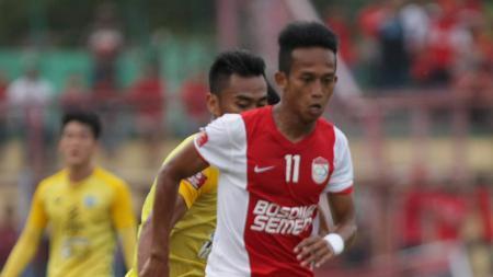 Penyerang muda PSM Makassar, M. Rahmat saat bermain beberapa musim lalu. - INDOSPORT