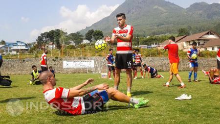 Madura United tak mau meremehkan Persib Bandung yang bermain tanpa enam pemain andalannya. - INDOSPORT