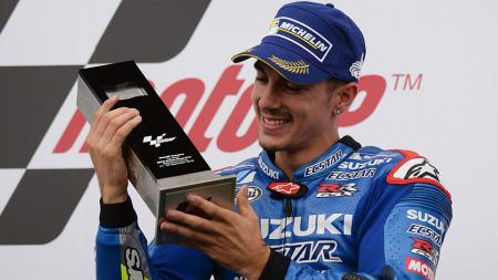 Maverick Vinales akan mengalahkan Valentino Rossi di MotoGP 2017. - INDOSPORT
