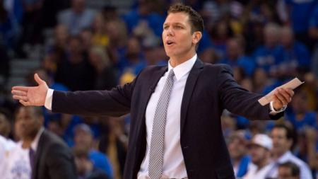Luke Walton, pelath LA Lakers. - INDOSPORT