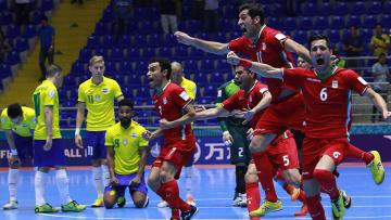 Pemain Iran rayakan kemenangan atas Brasil