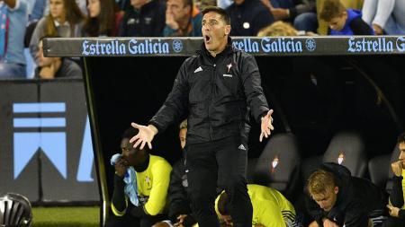 Aksi Eduardo Berizzo pada laga La Liga Spanyol di Stadion Balaidos, Senin (03/10/16) dini hari WIB. - INDOSPORT