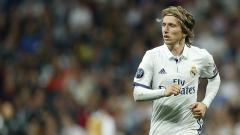 Indosport - Luka Modric berpotensi absen selama sebulan membela Real Madrid.