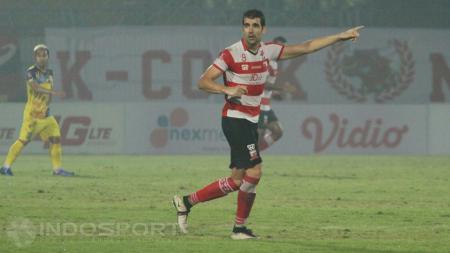 Penyerang Madura United, Pablo Rodriguez Aracil. - INDOSPORT