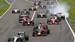 Indosport - Para pembalap Formula 1 saat beradu di GP Jepang.
