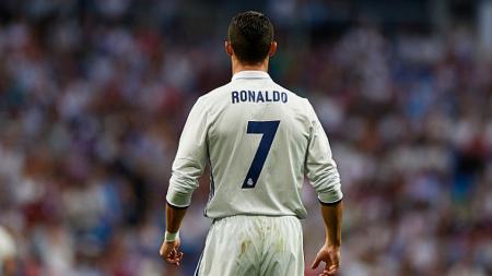 Cristiano Ronaldo mendapat sejumlah perpanjangan kontrak baru dari klub dan apparel olahraga. - INDOSPORT