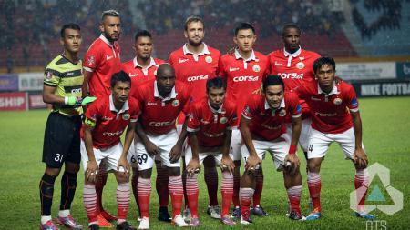 Skuat Persija Jakarta sebelum kick-off melawan Sriwijaya FC. - INDOSPORT