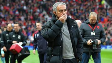 Mourinho tidak terima anak asuhnya diledek.