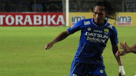 Hariono saat membela Persib Bandung. - INDOSPORT