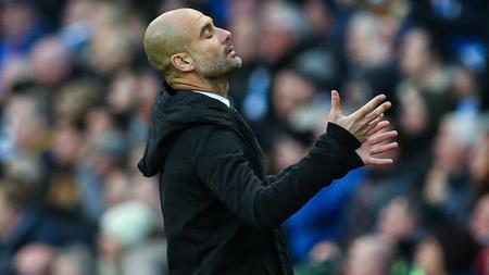 Ekspresi kekecewaan Pep Guardiola. - INDOSPORT