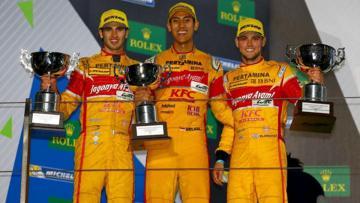 Sean Gelael (tengah), Antonio Giovinazzi (kiri), dan Tom Blomqvist