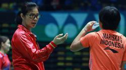 Legenda bulutangkis putri Indonesia, Sarwendah Kusumardhani (kiri).