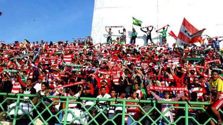 Suporter Madura United, K-conk Mania. - INDOSPORT