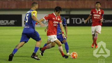Gelandang Persija Jakarta, Hong Soon-hak pada pertandingan TSC 2016.