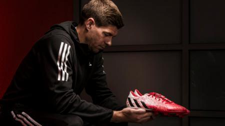 Masa depan Steven Gerrard masih menjadi misteri. - INDOSPORT