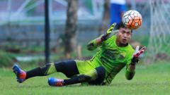 Indosport - Kiper Persib Bandung, Muhammad Natshir Fadhil Mahbuby
