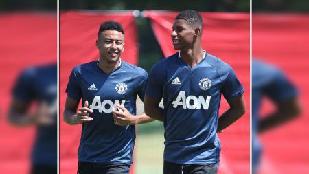 Pemain muda Manchester United, Marcus Rashford dan Jesse Lingard sedang berlatih bersama. - INDOSPORT