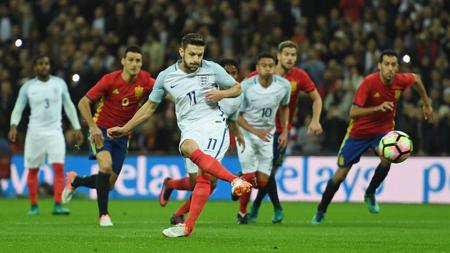 Penalti Adam Lallana menangkan Timnas Inggris atas Timnas Spanyol di babak pertama - INDOSPORT