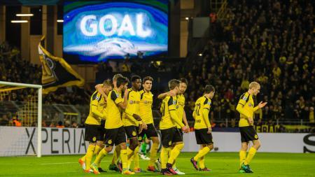 Borussia Dortmund menang dengan skor 8-4 atas Legia Warszawa dalam pertandingan ke-5 Grup F Liga Champions 2016/17. - INDOSPORT