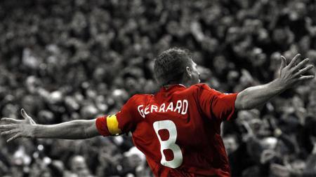 Steven Gerrard saat masih memperkuat Liverpool. - INDOSPORT