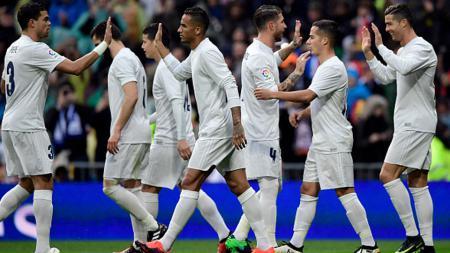 Real Madrid akan menjadi lawan Napoli di babak 16 besar Liga Champions 20161/17. - INDOSPORT